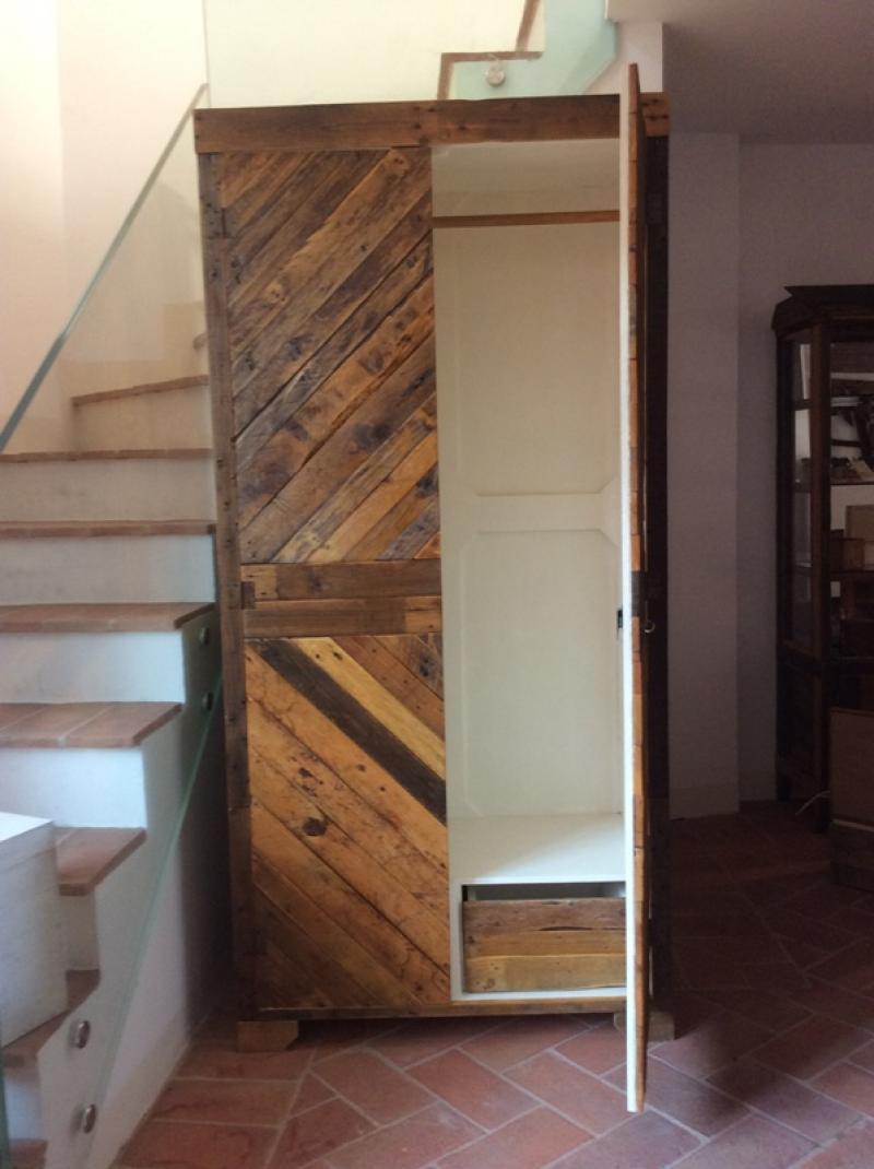 Armadio con legno di recupero idee per la casa - Mobili con legno di recupero ...